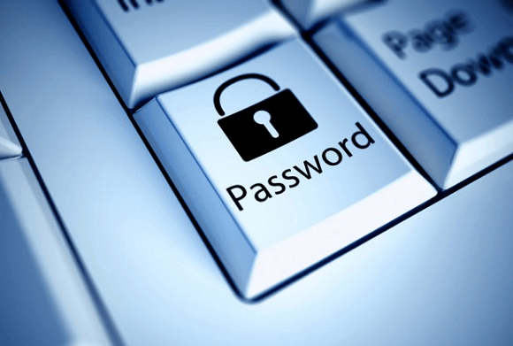半数以上の人がパスワードのリスク対策が充分でないことが発覚!