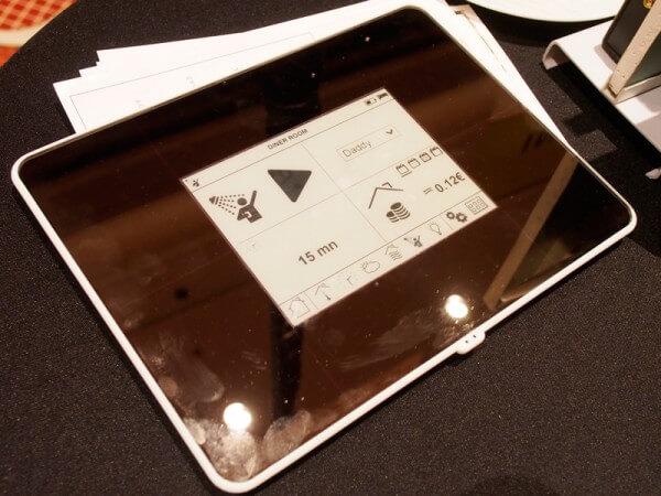 太陽電池給電のタッチパネルモニター、充電不要タブレット実現の可能性も|山根康宏のワールドモバイルレポート