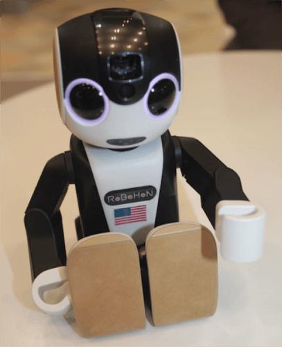 【IoT製品紹介】ロボホンがカワイイ!評判や売れ行き・販売台数も上々♪