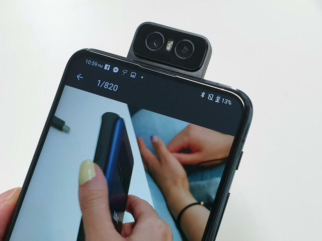 高性能なメインカメラを前面でも使えるメリットは大きい