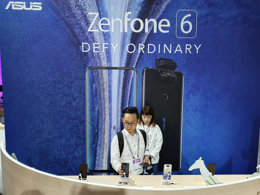 ASUSのZenFone 6。COMPUTEXで展示はあったが発表は1週間前