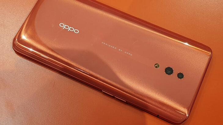 OPPO RenoのCoral Orange