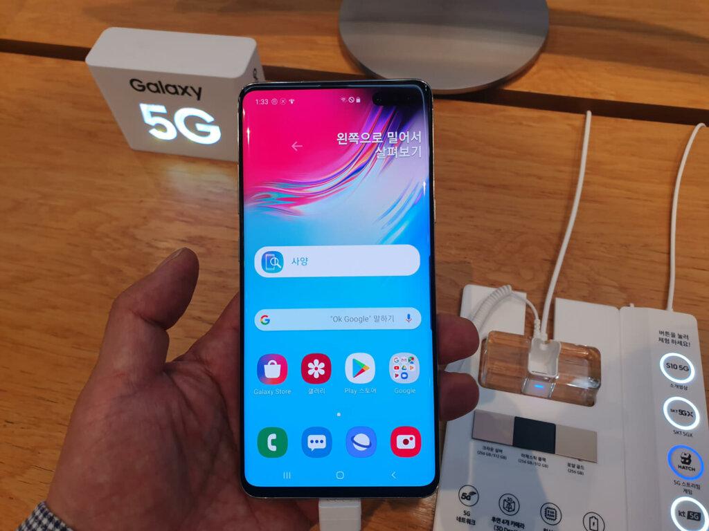 Galaxy S10 5G。5G開始キャリアがこぞって採用する