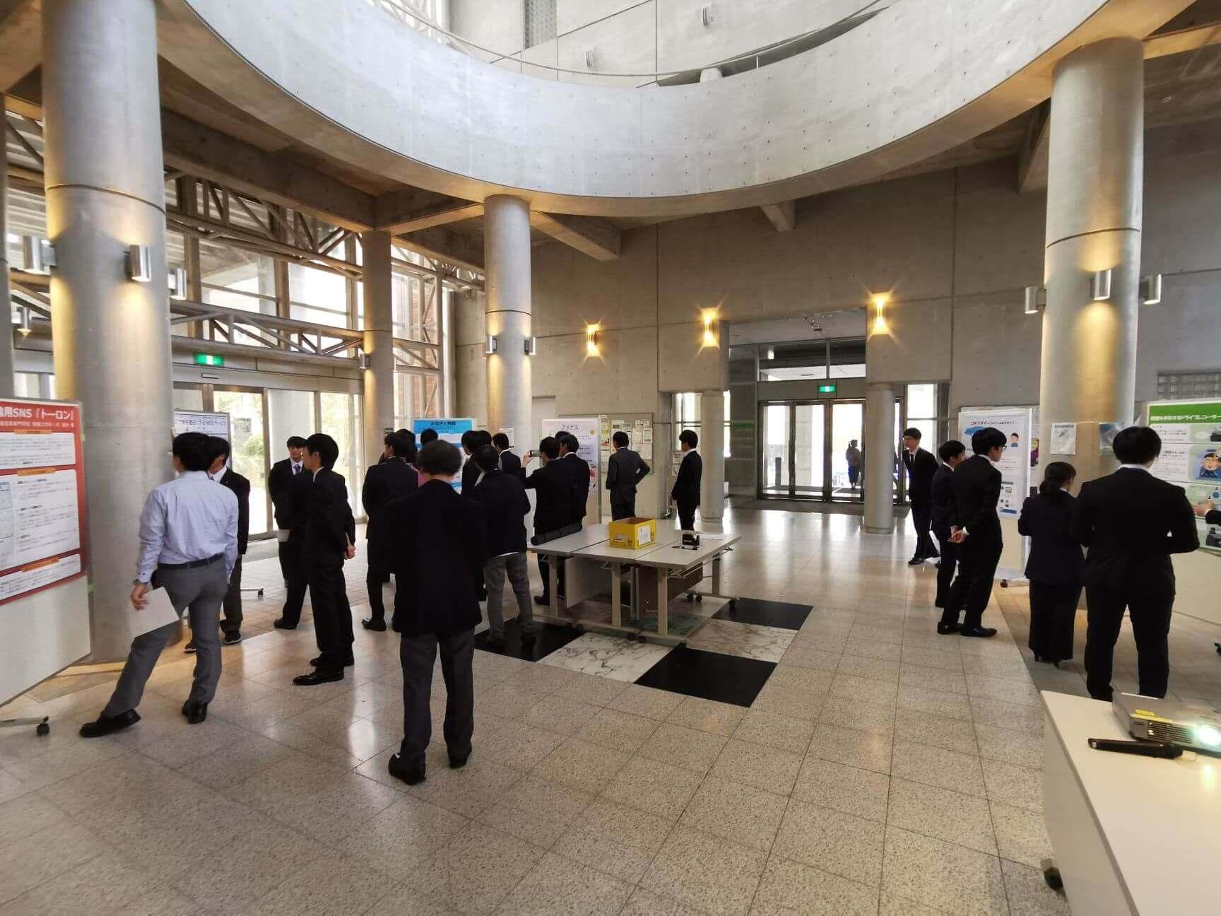 広島市立大学で開催された最終審査会の様子