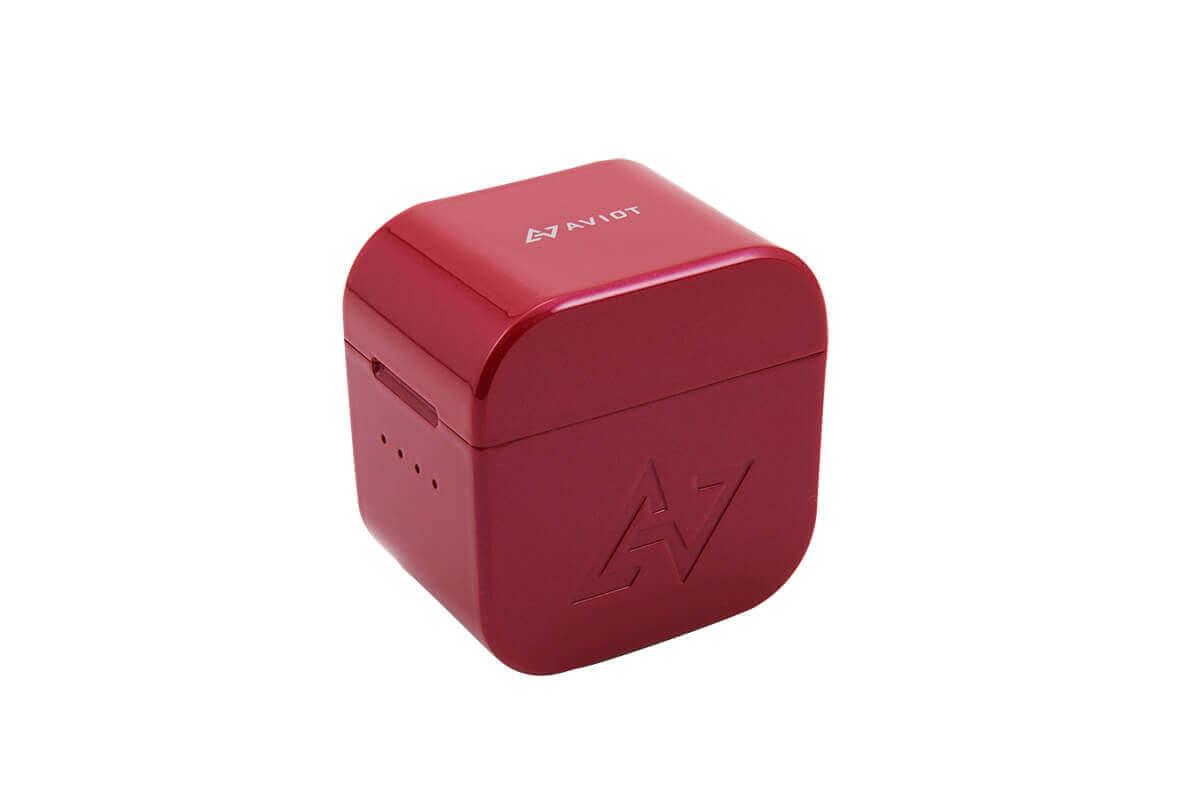 """和食で用いられる、重箱のような質感の""""コーディナルレッド"""""""