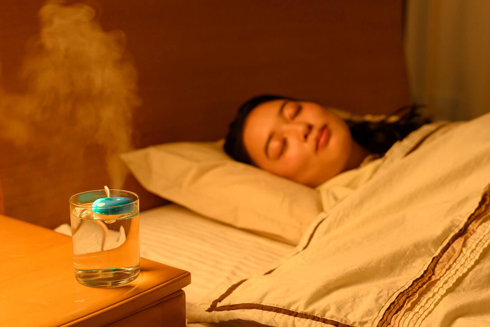 ベッドサイドに置いておくだけでOK。音はほとんど出ないので静か