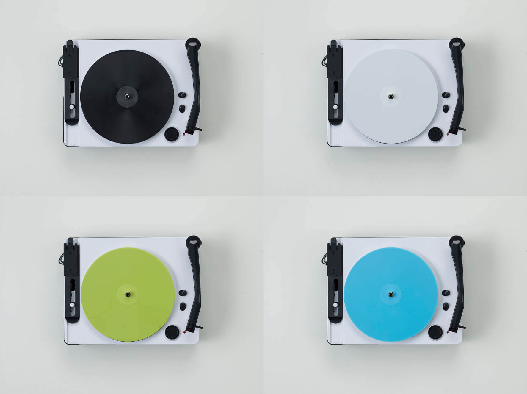 通常版は黒・白のレコードが各5枚。Amazon限定版は黒・白に加えて、黄緑・水色のレコードが各5枚入ります。