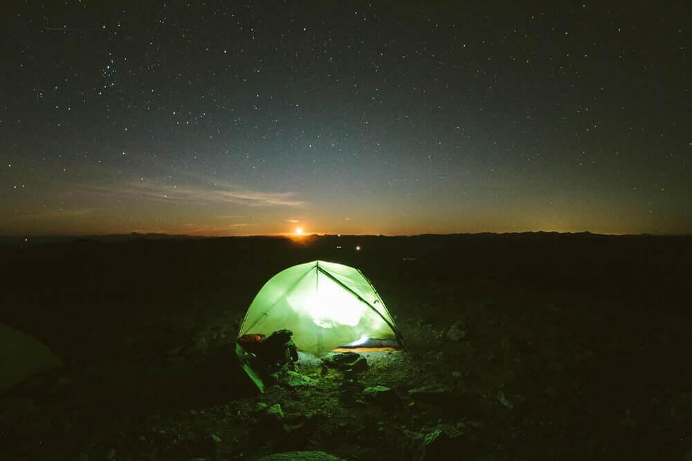 夜間でも鮮やかに撮影