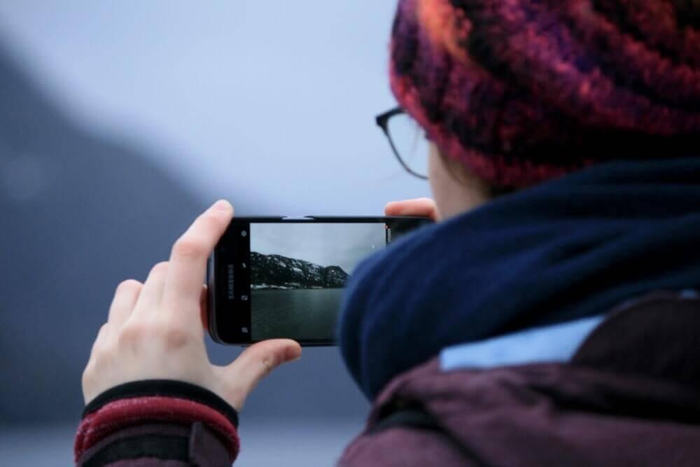 スマートフォンカメラを使う人