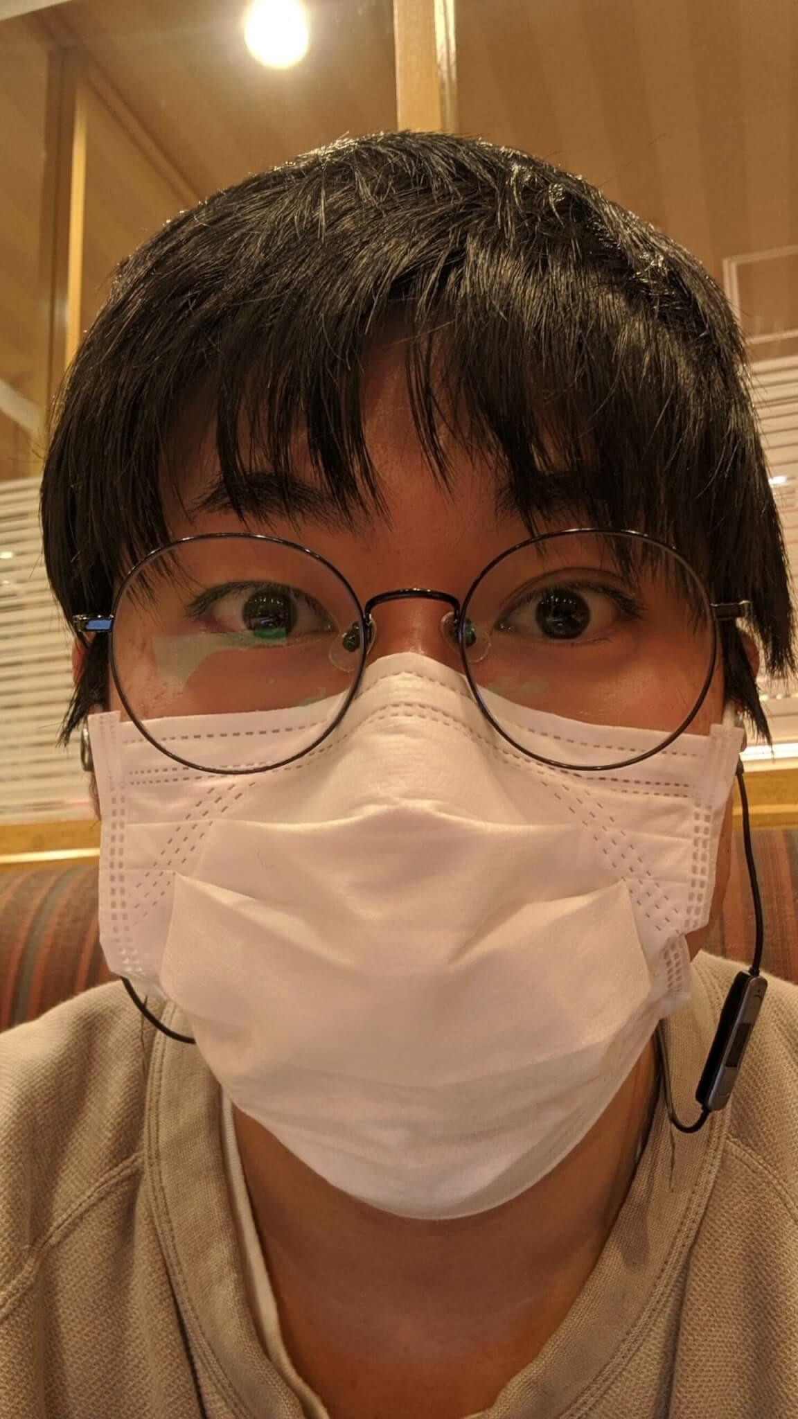 元気いっぱいマスク姿のかーしゃ
