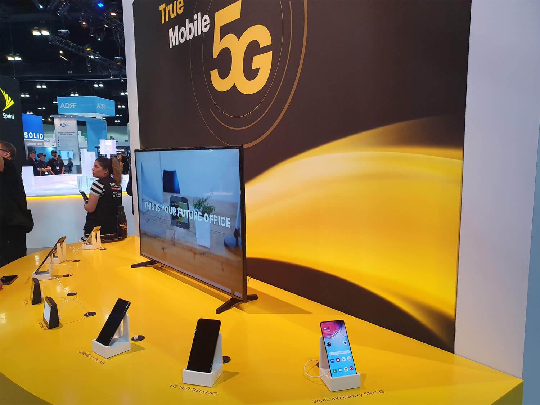 5G利用者を増やすため、通信キャリアも5G版iPhoneに大きく期待している