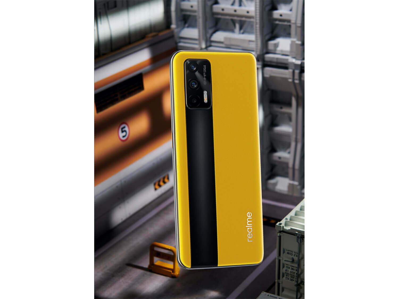 ハイスペックスマートフォンながら価格を抑えた「realme GT 5G」